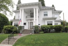 """Cathey House...Sometimes called """"The White House""""...1906 Georgian Revival home...Albany, Oregon"""