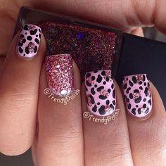 beautiful cheetah print nails