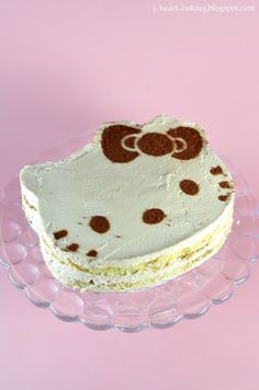 i heart baking!: hello kitty and tiramisu cake! I want this!!!