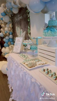 Baby Shower Decorations For Boys, Boy Baby Shower Themes, Baby Shower Fun, Baby Shower Favors Boy, Baby Showe Ideas, Elephant Baby Shower Centerpieces, Baby Shower Backdrop, Baby Shower Balloons, Elephant Baby Showers