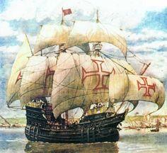 Nau é uma denominação genérica dada a navios de grande porte até o século XV usados em viagens de grande percurso. Durante a época dos Descobrimentos, houve uma evolução dos tipos de navio utilizados.  De grande porte, como castelos de proa e de popa, com dois, três ou quatro mastros, e com duas ou três ordens de velas sobrepostas, as naus eram imponentes e de armação arredondada, chegando a ter 600 toneladas no auge da Carreira da Índia.     INSTRUMENTOS NÁUTICOS