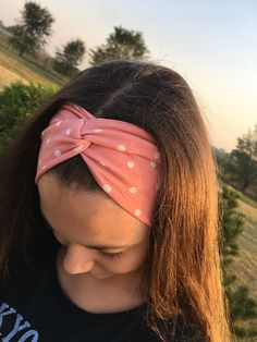 Likeflowersandbutterflies: Twisted knot knit headband tutorial Sewing Headbands, Fabric Headbands, Turban Headbands, Handmade Headbands, Yoga Headband, Twist Headband, Diy Headband, Turban Headband Tutorial, Knit Headband Pattern