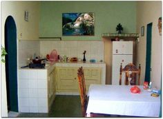 Cocina. Cuba, Colonial, Kitchen Cabinets, Table, Furniture, Home Decor, Ferns, Cooking, Decoration Home