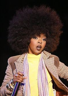 Lauryn Hill with her afro Hip Hop, Black Girl Magic, Black Girls, Natural Hair Care, Natural Hair Styles, Beautiful Black Women, Beautiful People, Miseducation Of Lauryn Hill, Lauren Hill