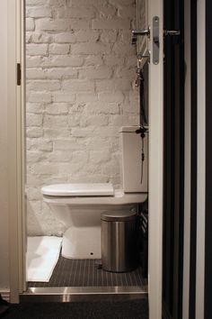 vessa/toilet Bathroom Vanity, Bathroom, Single Vanity, House, Living Room, Home, Bedroom, Home Decor, Room