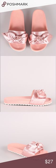 Slide sandal in the color blush This cute slide sandal features a wide band across vamp with knotted bow trim, lug sole, and molded foodbed. Easy slip-on style.  Material: Satin (man-made) Sole: PVC. SHIPPING in approx 5-7 days Shoes Slippers