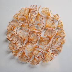 Meredith Woolnough est une artiste australienne, spécialisée dans la broderie inspirée des formes complexes de la nature.  ...