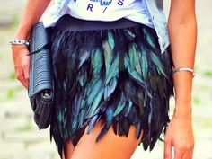 How to Chic: FEATHER SKIRT