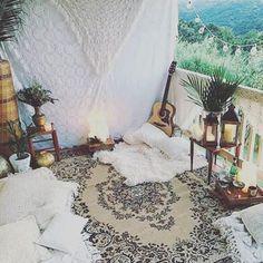 Lazy Dayz  . Beautiful Boho Space. #regram by @hippie_world . . . . . . . . #boho #bohostyle #bohemian #cozy #bohodecor #bohointeriors #gypsy #gypsystyle #goodvibes #gypsysoul #bohochic #hippie #hippiestyle