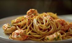 Fish Recipes, Asian Recipes, Ways To Cook Shrimp, Shrimp Spaghetti, Spicy Garlic Shrimp, I Foods, Food Inspiration, Love Food, Pitta
