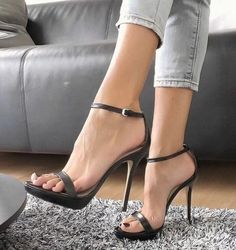 c644878bcd6 A few of the tested adverse effects of long-lasting wear of high heels are  sprains