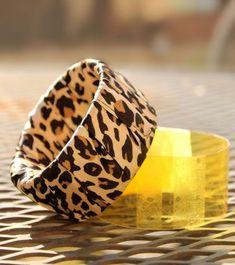 Armband aus Stoff und Plastikflasche Ring