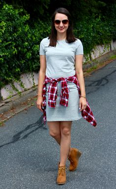 Simple tee dress for the weekend on Countdown to Friday