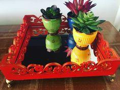 Bandeja espelhada vermelha artesanato trabalho manual plantas flores decoração colorido espelho  Mais informações no Instagram: @coisi_nhas