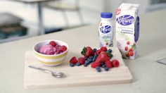 Learn how to make a delicious and light berry froyo with this recipe from Optiwell. The best part? It's ready in two minutes!