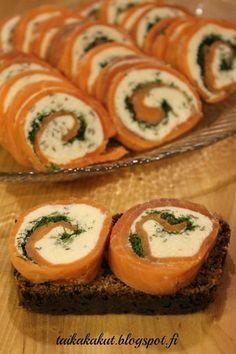 Kylmäsavulohirullat I Love Food, Good Food, Yummy Food, Low Carb Recipes, Real Food Recipes, Tapas, Finnish Recipes, Scandinavian Food, Recipes From Heaven