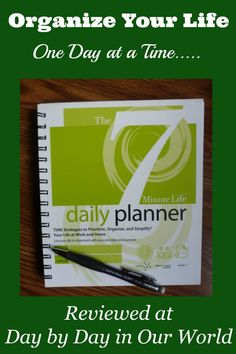 Looking to organize your life? Feeling like past attempts didn't work? Learn more about The 7 Minute Life Daily Planner which is goal based. via @LauraOinAK