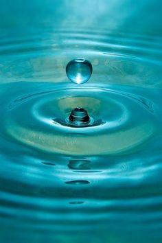 #turquoisephotography#artisticphotography#turquoisetumblrideas#bestof#dropwater