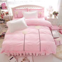 Sheet Set /& Pillow NWT Twin//TwinXL Gorgeous Coral Comforter
