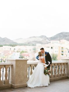 Beautiful Lake Las Vegas Wedding | Gaby J Photography | Open Invitation Planning | Bridal Musings Wedding Blog