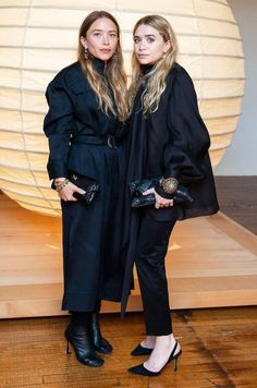 """Posts tagged """"mary kate olsen"""" — Olsen Daily — Mary-Kate and Ashley Olsen news and pictures! Mary Kate Ashley, Ashley Olsen Style, Olsen Twins Style, Fashion Line, Fashion Week, Fashion Bloggers, Fall Fashion, Style Fashion, Fashion Trends"""