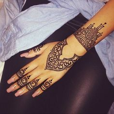 Instagram media by tattooinkspiration - Follow @justlovehenna for the best hen! - @justlovehenna  @justlovehenna  @justlovehenna
