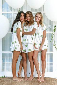 Maggie Pajama Set, Bridesmaids Gift, Palm Springs - Code + - - Source by Brunette Models, Blonde Model, Bridesmaid Gifts, Bridesmaid Dresses, Wedding Dresses, Barefoot Girls, Light Blue Shorts, Poses, Wedding Pics