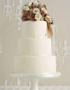 Desserts / Torten - Hochzeitstoren, Cupcakes, Sweet Table - Hochzeitsblog - Hochzeitsguide - stilvolle Inspirationswelten