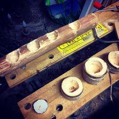 Busy day at the workshop #woodwork #Woodworker #Logs #logcandleholder #graft #worker #grind #instagood #Pereira #PearTree #workshop #ilovewoodwork  de marcusdepereira
