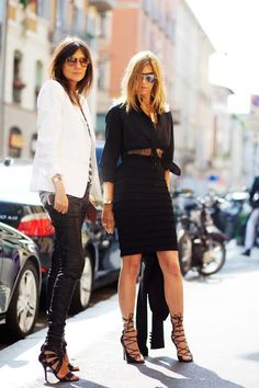 2 of Paris´ most stylish grown up women - Emmanuelle Alt and Carine Roitfeld.