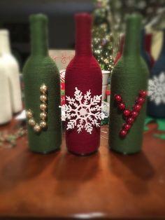 Old Wine Bottles, Wine Bottle Art, Wine Bottle Crafts, Wine Corks, Starbucks Glass Bottle Crafts, Decorative Wine Bottles, Yarn Bottles, Antique Bottles, Vintage Bottles