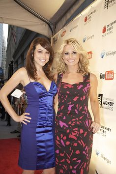 Shira Lazar and Courtney Friel make a colorful duo on the red carpet.