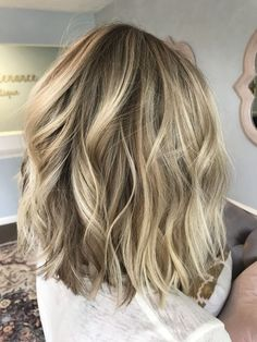 7 best blonde lob balayage images in 2017 Blonde Highlights Bob Haircut, Blonde Lob Balayage, Blonde Lob Hair, Balayage Long Bob, Bronde Lob, Ashy Blonde, Blonde Hair Makeup, Long Bob Ideias, Long Bob Blonde