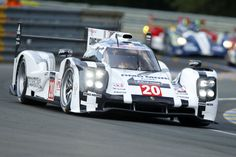 #20 Porsche 919 hybrid leading at Le Mans with Timo Bernhard at the wheel between 19-21 hours