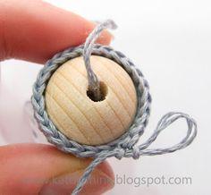 Bolas de madera - ganchillo