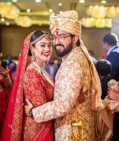 Bekhayali Duo Sachet Tandon And Parampara Thakur Just Got Married Indian Wedding Couple, Wedding Couples, Bride And Son, Love Couple Photo, Haldi Ceremony, Groom Wear, Bridal Photography, Photo Poses, Photo Pic