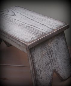 distressed furniture painting techniques | Fantastic tutorial on faux distressed paint finish.