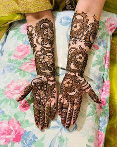 Bridal Henna Mehndi Designs for Full Hands Mehndi Designs Front Hand, New Bridal Mehndi Designs, Engagement Mehndi Designs, Khafif Mehndi Design, Floral Henna Designs, Full Hand Mehndi Designs, Arabic Henna Designs, Mehndi Designs For Girls, Stylish Mehndi Designs