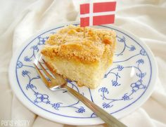 Drømmekage - Danish Dream Cake: http://www.parispastry.blogspot.com/2012/05/drmmekage-danish-dream-cake.html