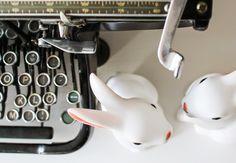 vintage typewriter, rabbit night lights, lapsen yövalo