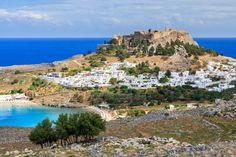 Lindos De Luxe is a tour that combines the magnificent scenery of the area with its sights of Historical significance. Gently paced it suits all. Greece Tours, Greece Travel, Beautiful Islands, Beautiful Places, Santorini Tours, Greece Islands, Short Trip, Travel Memories, Romantic Getaway