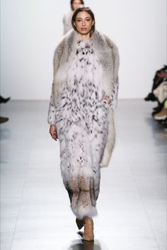 Sfilata Dennis Basso New York - Collezioni Autunno Inverno 2017-18 - Vogue