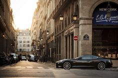 Aston Martin Virage / photo by Gauvin Lapetoule