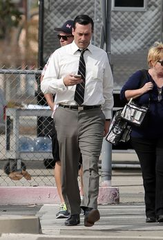 These Pictures Of Jon Hamm's Little Hamm Will Restore Your Faith In Humanity, Penises John Hamm, Men In Tight Pants, Hot Men Bodies, Don Draper, Just Beautiful Men, Famous Men, Professional Outfits, Linnet, Mad Men