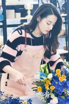 Definitely an angel Asian Celebrities, Celebs, Beautiful Girl Image, China Girl, Chinese Actress, Ulzzang Girl, Stylish Girl, Asian Fashion, Women's Fashion