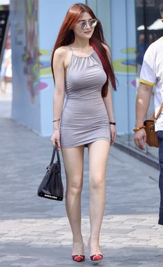 Sexy backless sheath dress, cute face with the center-parted blonde straight long hair, showing off the supermodel legs. Tight Dresses, Sexy Dresses, Girls Dresses, Sexy Asian Girls, Sexy Outfits, Fashion Outfits, Girls In Leggings, Beautiful Asian Women, Emo Girls