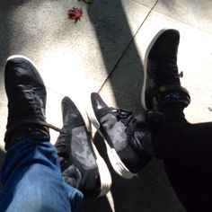 Same shoes, difrent style, wearing by Man and Woman, one the best G-Star, and nothing else count. G-star moro Style!