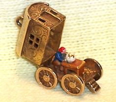 VINTAGE 9K Gold Enamel GYPSY GAZING @ CRYSTAL BALL / WAGON Charm