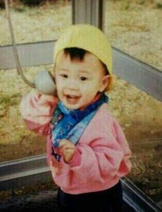 This is supposedly a baby pic of P.O aka Pyo Ji Hoon (표지훈)