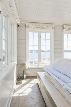 Coastal Decor Houzz onto Home Decor Mirror above Home Decor Stores Seattle Wa this Beach House Decor Diy about Beach Party Decorations For Adults New Homes, House, Cottage, Coastal Living, Home, House By The Sea, Seaside Living, Seaside Cottage, Beach Cottage Decor